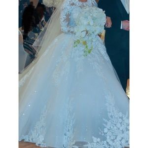 Wedding dress & Veil Sizes 6-10 corset